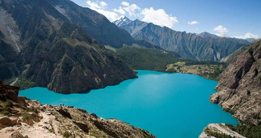 What is Trekking and Mountaineering